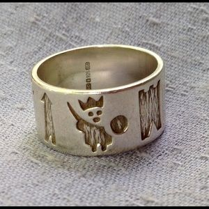 Vintage Ireland History Ring in Sterling Silver